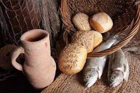 Năm Chiếc Bánh và Hai Con Cá